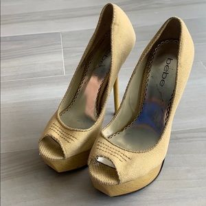 Bebe high heels with wooden platform gold thread
